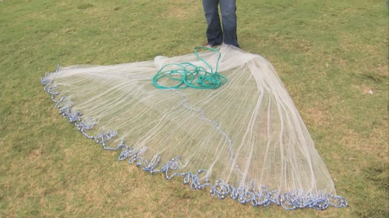 Throwing fishing nets for How to make a fishing net